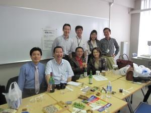 前列左より中村会員、鈴木会長、遠藤会員、武田会員、後列左より星会員、戸田会員、鈴木(好)会員夫妻