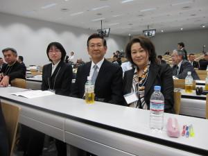 7. 矢作さん、鈴木好彦副会長、武田副会長(左から)